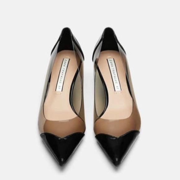 91fe38d88ef Zara Vinyl Black Patent Kitten Heel